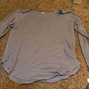 LULULEMON gray long sleeve shirt